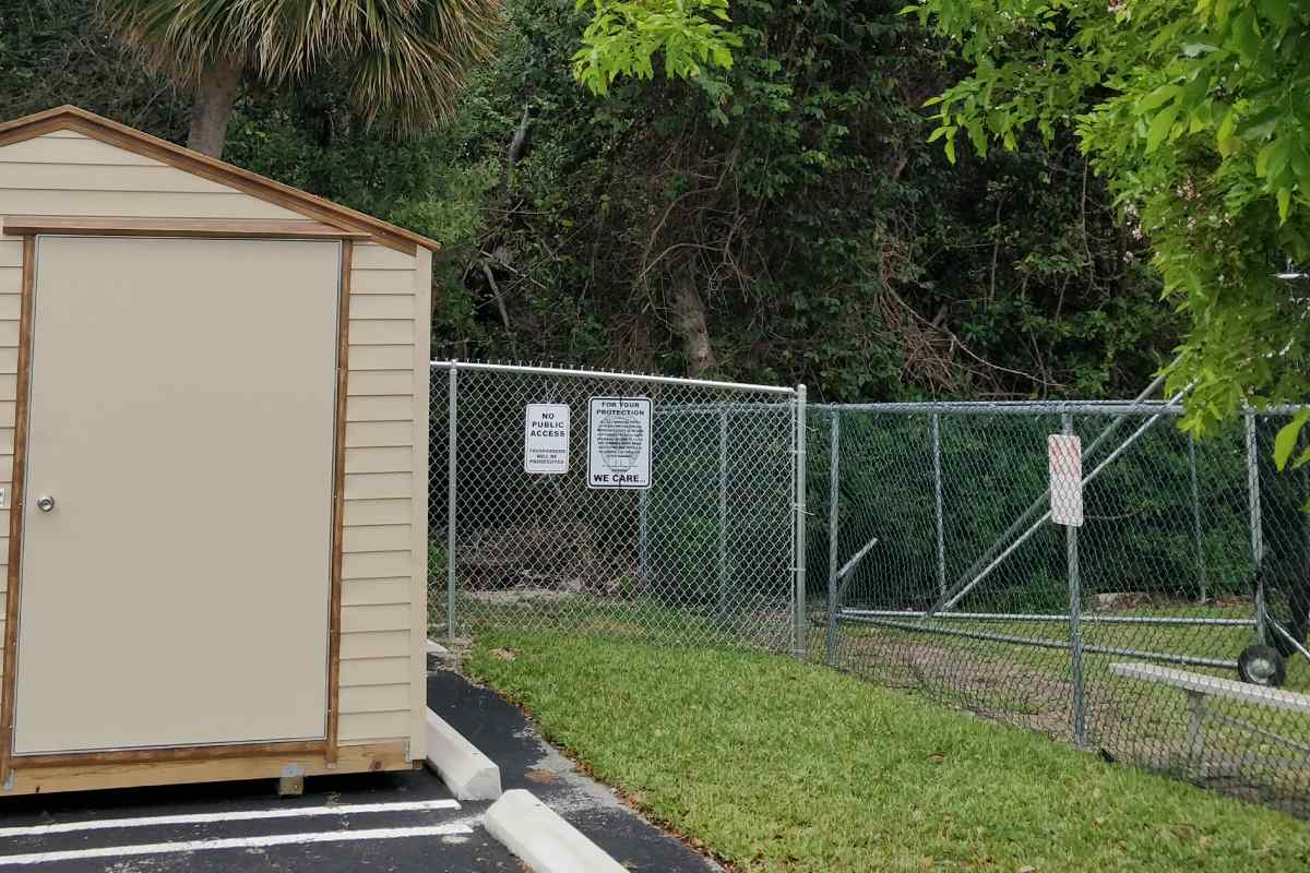 Fence around bay access.